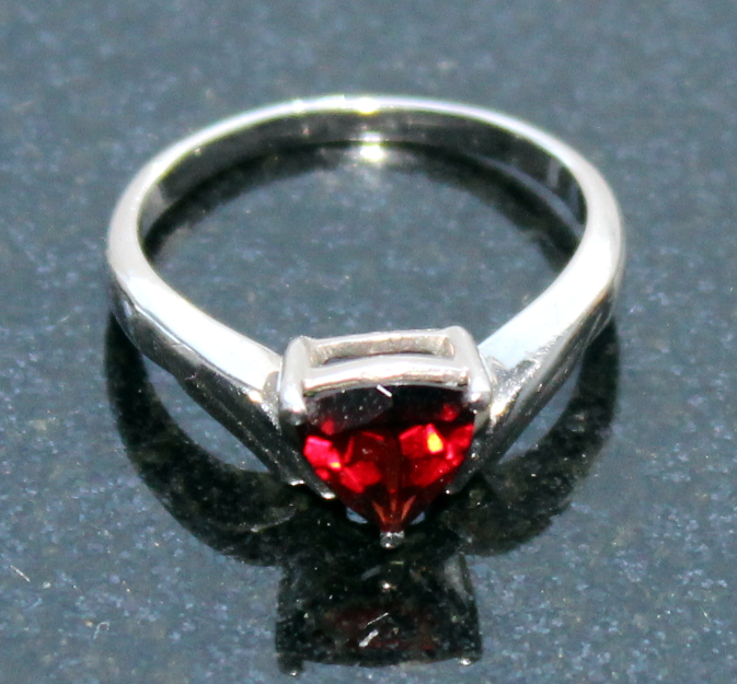 Garnet ring meaning images for Garnet wedding ring meaning